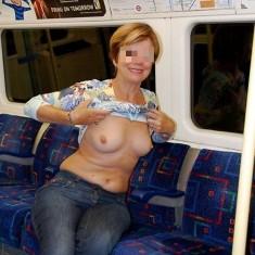 femme dispo pour exhibe lieux publics