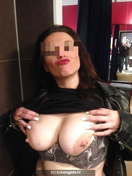 Femme docile aimant le BDSM a la Rochelle